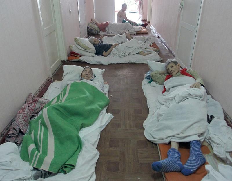Депутаты в ужасе! Наконец они начали лечится в украинских больницах. Фото и видео