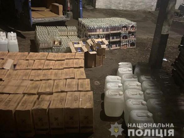 В Донецкой области обнаружили фальсифицированный алкоголь на почти 400 тыс. грн